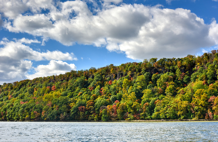 Experience NYC's Enchanting Fall Foliage Aboard Eastern Star